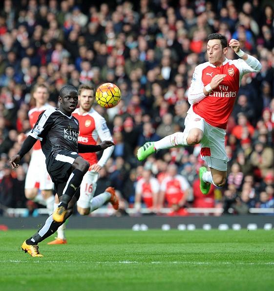 Choi hon nguoi, Arsenal thang kich tinh 2-1 truoc Leicester hinh anh 10