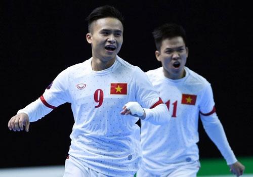 Thua Thai Lan 1-3, DT Viet Nam vao tu ket gap Nhat Ban hinh anh