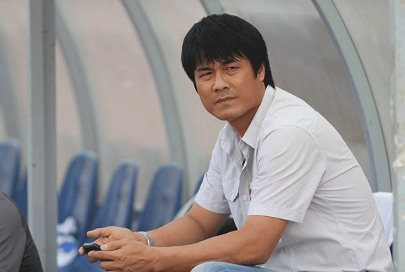 HLV Nguyen Huu Thang nhan loi dan dat DTVN hinh anh 1