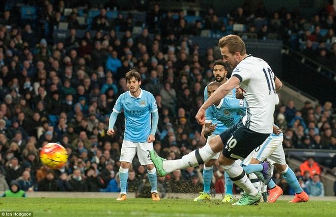 Thua Tottenham 1-2, Man City hut hoi trong top 4 hinh anh 4