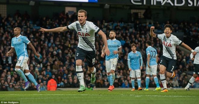 Thua Tottenham 1-2, Man City hut hoi trong top 4 hinh anh 5