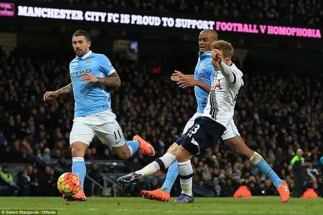 Thua Tottenham 1-2, Man City hut hoi trong top 4 hinh anh 9