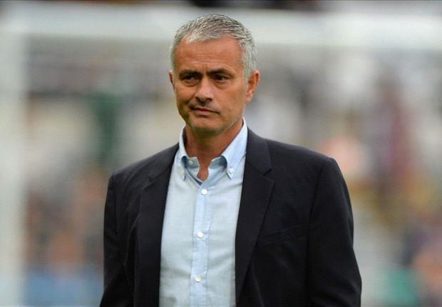 Diem tin: 'MU da ky hop dong voi Mourinho' hinh anh 1