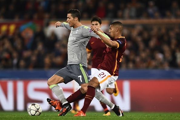 Ronaldo ghi ban dep mat, Real thang Roma 2-0 hinh anh 2