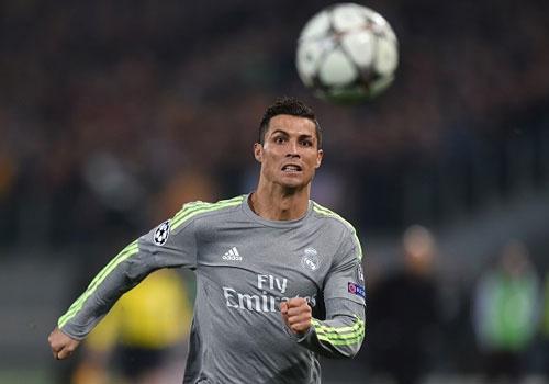 Ronaldo ghi ban dep mat, Real thang Roma 2-0 hinh anh