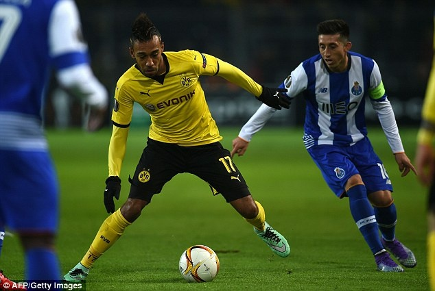 Dortmund ghi 2 ban vao luoi Casillas sau 19 cu sut hinh anh 1