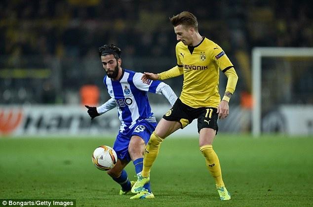 Dortmund ghi 2 ban vao luoi Casillas sau 19 cu sut hinh anh 6