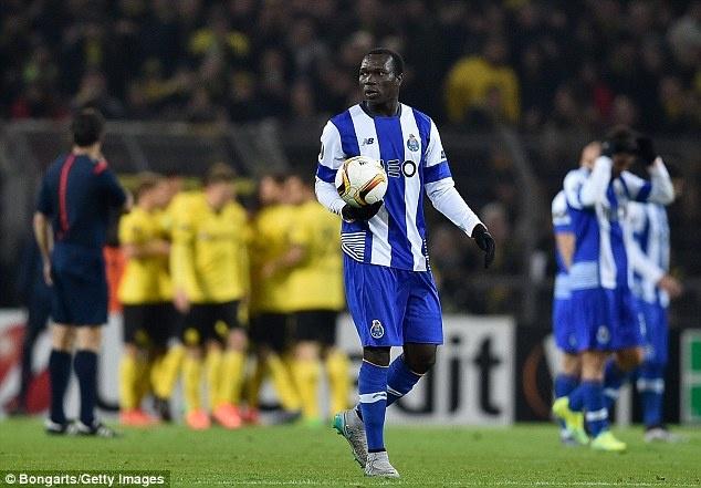 Dortmund ghi 2 ban vao luoi Casillas sau 19 cu sut hinh anh 10