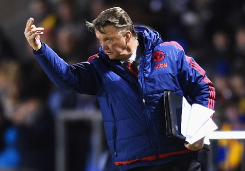 Van Gaal duoc giai cuu khi MU vao tu ket cup FA hinh anh