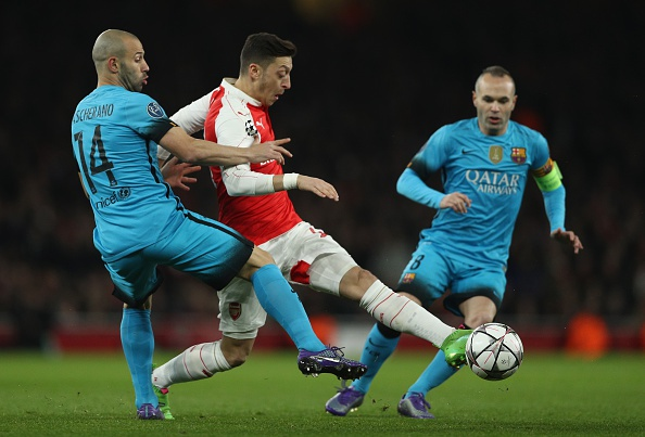 Messi giup Barca thang Arsenal 2-0, Juve hoa Bayern 2-2 hinh anh 8