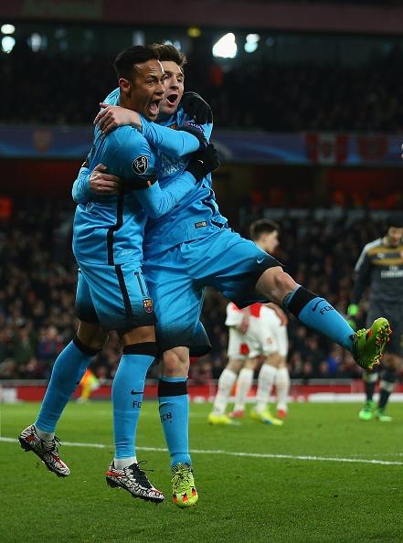 Messi giup Barca thang Arsenal 2-0, Juve hoa Bayern 2-2 hinh anh 11