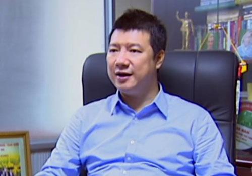 BLV Quang Huy: 'MU khong the lay cau thu tre lam cho dua' hinh anh 1