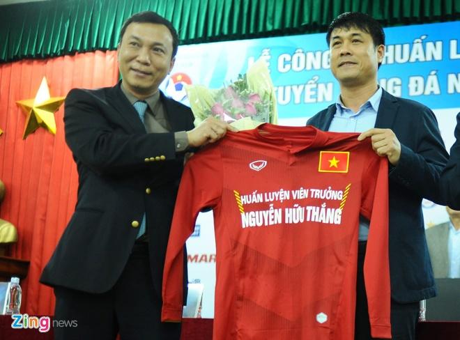 HLV Huu Thang: 'Gioi nhu Mourinho con bi sa thai nua la toi' hinh anh 2