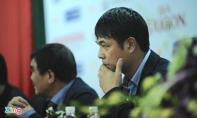 HLV Huu Thang: 'Gioi nhu Mourinho con bi sa thai nua la toi' hinh anh 1