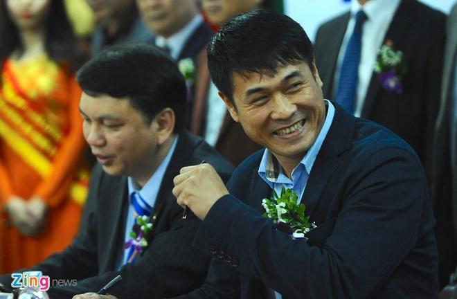 HLV Huu Thang: 'Gioi nhu Mourinho con bi sa thai nua la toi' hinh anh 3