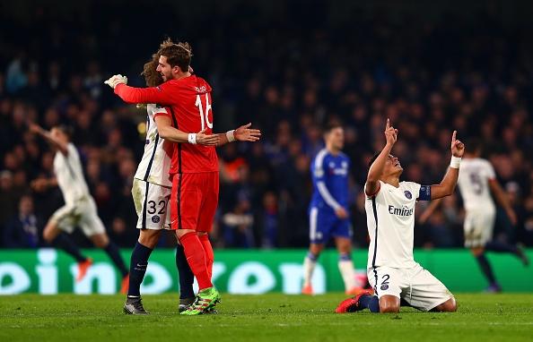 Ibrahimovic giup PSG loai Chelsea khoi Champions League hinh anh 14