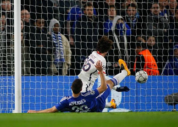 Ibrahimovic giup PSG loai Chelsea khoi Champions League hinh anh 6