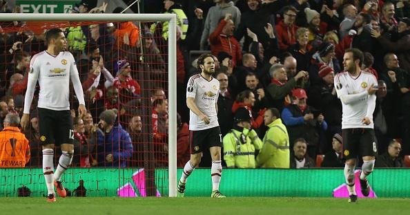 Liverpool lan dau danh bai MU cua Van Gaal hinh anh 13