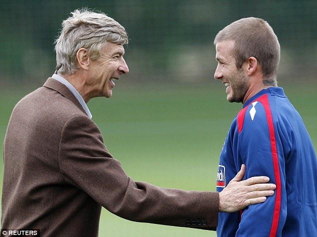 David Beckham chi trich CDV Arsenal. anh 1