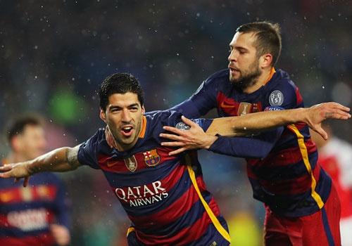 Messi, Neymar va Suarez giup Barca thang Arsenal 3-1 hinh anh
