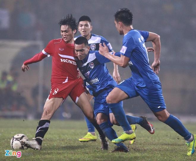 DT Viet Nam 4-0 Quang Ninh: Cong Vinh lap hat-trick hinh anh 11