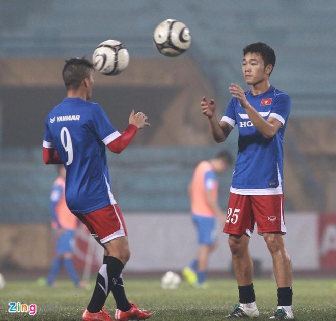 DT Viet Nam 4-0 Quang Ninh: Cong Vinh lap hat-trick hinh anh 4