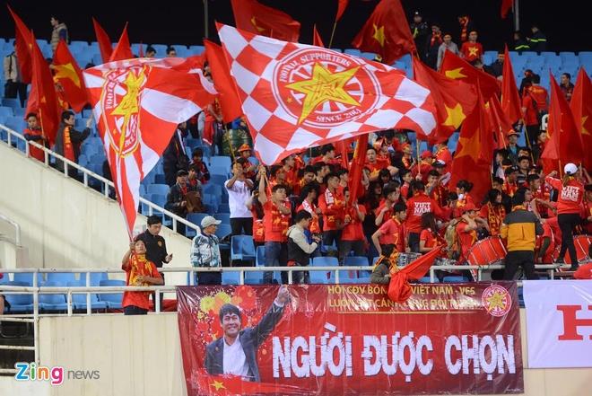 DTVN 4-1 Dai Loan: Cong Vinh va Van Toan lap cu dup hinh anh 13