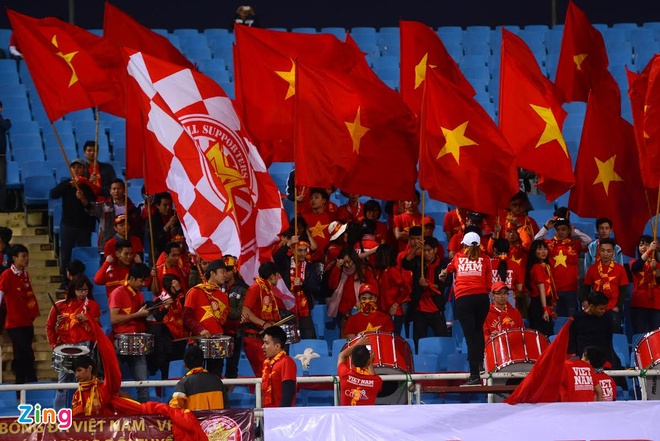DTVN 4-1 Dai Loan: Cong Vinh va Van Toan lap cu dup hinh anh 14