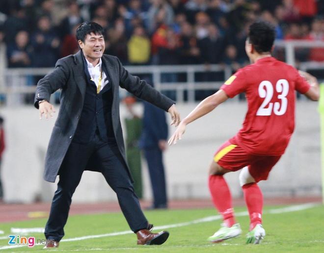 DTVN 4-1 Dai Loan: Cong Vinh va Van Toan lap cu dup hinh anh 18