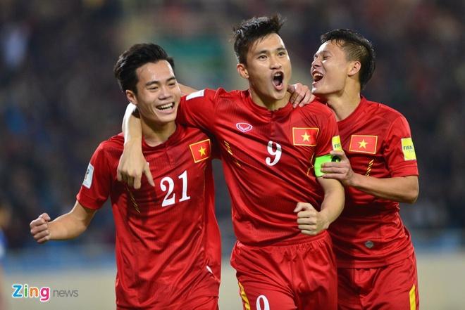 DTVN 4-1 Dai Loan: Cong Vinh va Van Toan lap cu dup hinh anh 19