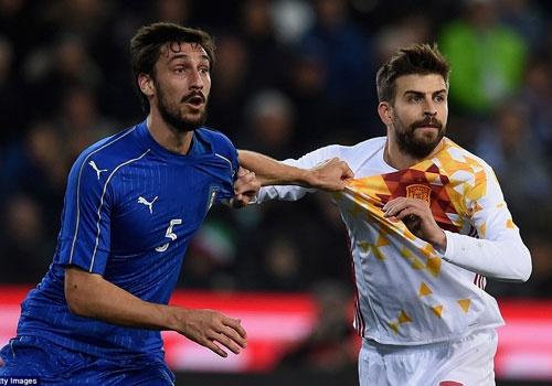 De Gea giup DT Tay Ban Nha thoat thua truoc Italy hinh anh
