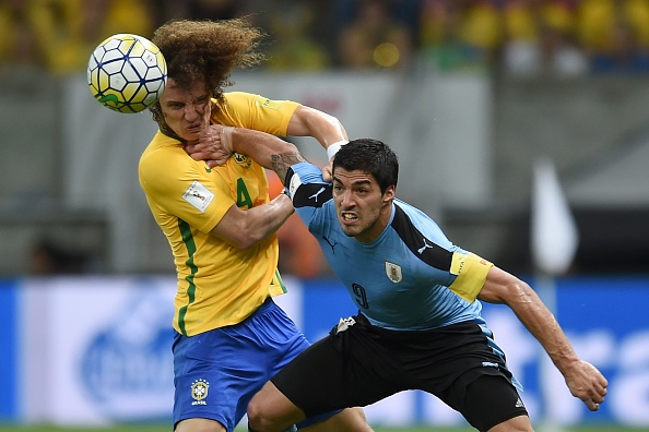 Suarez giup Uruguay thoat hiem truoc Brazil hinh anh 2