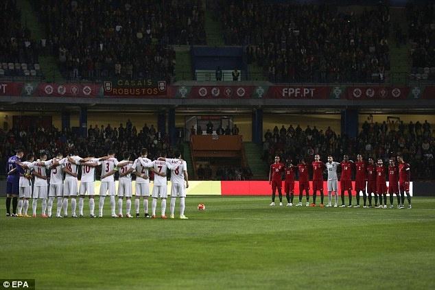 Ronaldo sut hong penalty khien DT Bo Dao Nha thua Bulgaria hinh anh 1