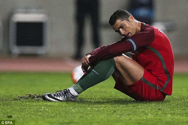 Ronaldo sut hong penalty khien DT Bo Dao Nha thua Bulgaria hinh anh 3