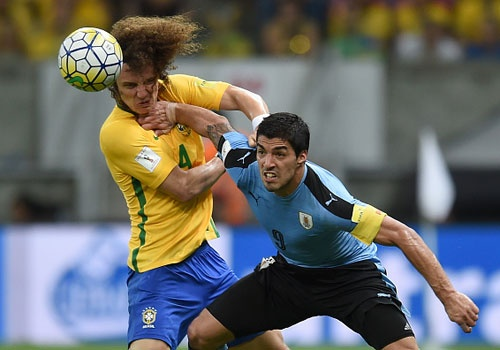 Suarez giup Uruguay thoat hiem truoc Brazil hinh anh