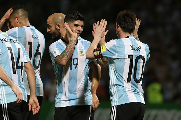 Messi ghi ban penalty, DT Argentina co chien thang 2-0 hinh anh 7