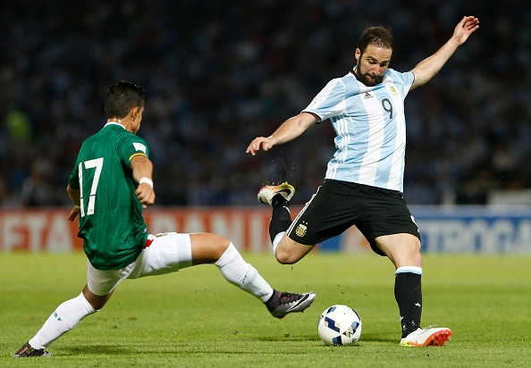 Messi ghi ban penalty, DT Argentina co chien thang 2-0 hinh anh 9