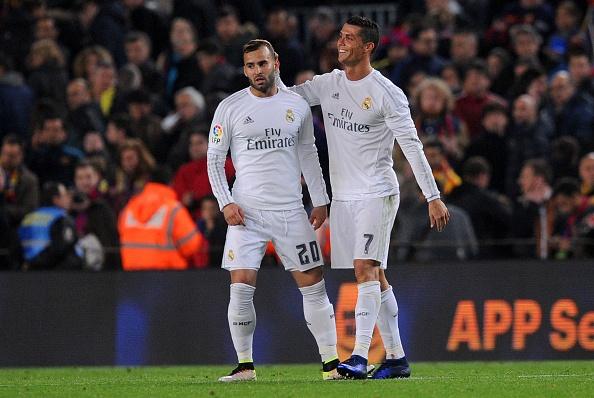 Ronaldo coi do an mung tran thang Barca hinh anh 5