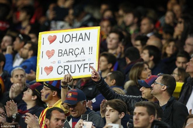 Ronaldo coi do an mung tran thang Barca hinh anh 10