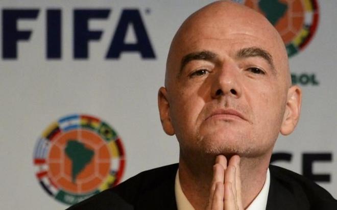 Be boi Tai lieu Panama: Canh sat ap vao tru so UEFA hinh anh