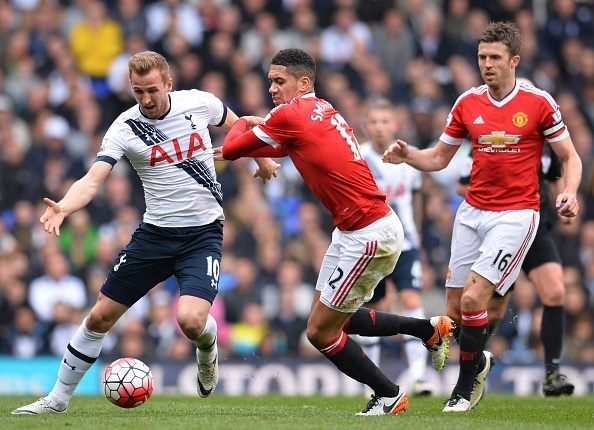Thua Tottenham 0-3, MU mat hy vong du Champions League hinh anh 1