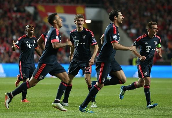 Bayern mo tiec an mung khi vao ban ket cup C1 hinh anh 7
