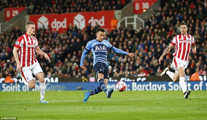 Kane giup Tottenham de doa vi tri so 1 cua Leicester hinh anh 7