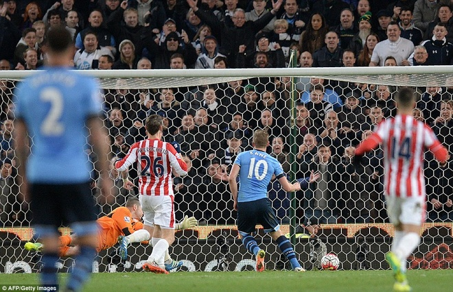 Kane giup Tottenham de doa vi tri so 1 cua Leicester hinh anh 8