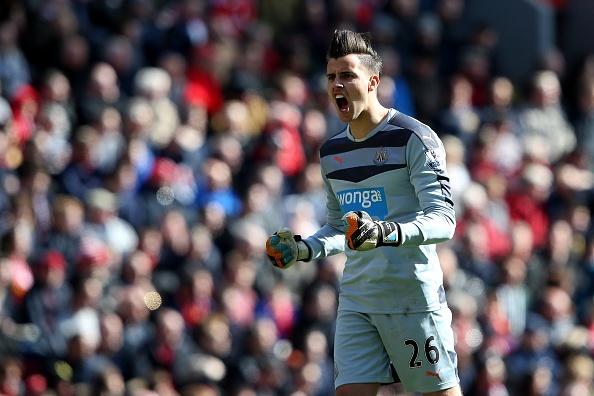 Liverpool vs Newcastle: Chu nha danh roi chien thang hinh anh 14