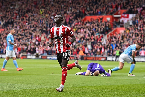 Southampton vs Man City (4-2): Man xanh lo mat vi tri thu 4 hinh anh 10
