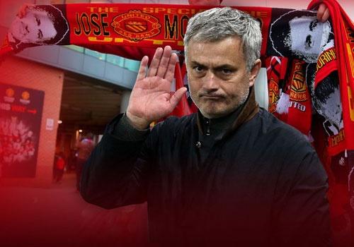 MU boi thuong cho Mourinho neu Van Gaal tai vi hinh anh
