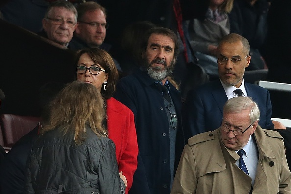 Eric Cantona khien san Old Trafford them nao nhiet hinh anh 1