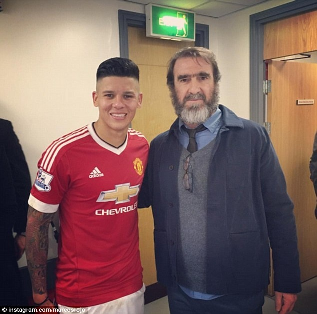 Eric Cantona khien san Old Trafford them nao nhiet hinh anh 10