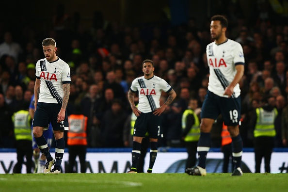 Chelsea hoa Tottenham 2-2, Leicester vo dich ngoai hang Anh hinh anh 12